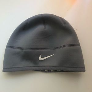 Nike Accessories - 🍭Therma-Fit Grey Nike Beanie